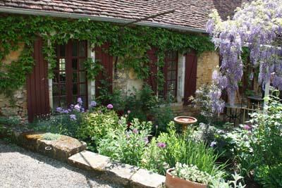 22SFL Gite Fleurs de Dordogne